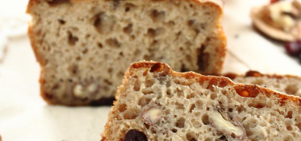 Chleb świąteczny z żurawiną i orzechami włoskimi (autor: ifa ...