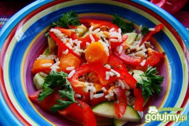 Przepis  sałatka warzywno ryżowa przepis