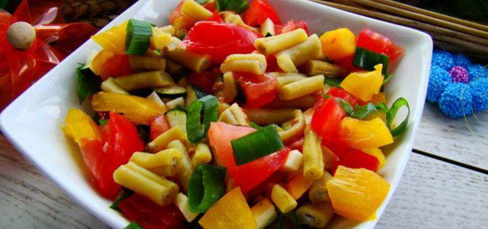 Kolorowa sałatka z fasolki (autor: iwa643)