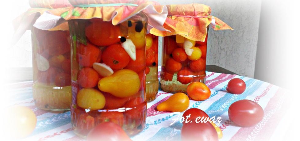 Pomidorki koktajlowe z czosnkiem (autor: zewa)