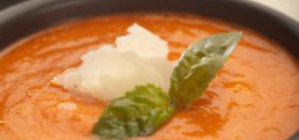 Chłodnik z czerwonej papryki, z suszonymi pomidorami, bazylią i ...