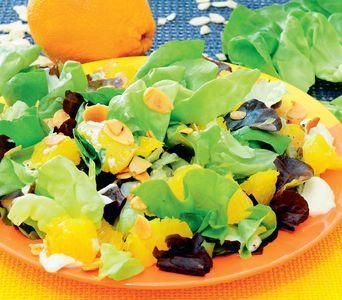Sałata z pomarańczami i migdałami