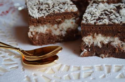 Ciasto kakaowe z kokosową wkładką