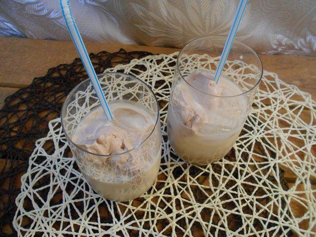 Przepis  mrożona kawa z kakaową bitą śmietaną przepis