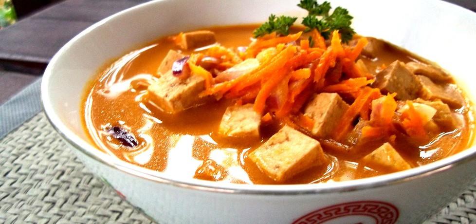 Zupa kokosowa z czerwoną pastą curry i tofu (autor: caralajna ...