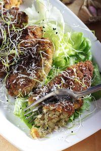 Krokiety z kaszy jaglanej z pieczonym kurczakiem i warzywami