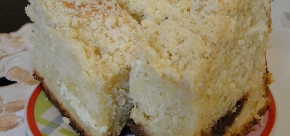 Drożdżowe ciasto z serem i masą czekoladowo