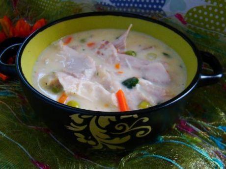 Przepis  biały gulasz z kurczaka z warzywami przepis