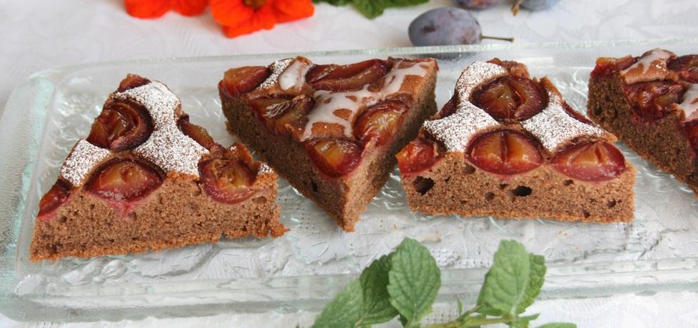 Czekoladowe ciasto ze śliwkami (autor: skotka)