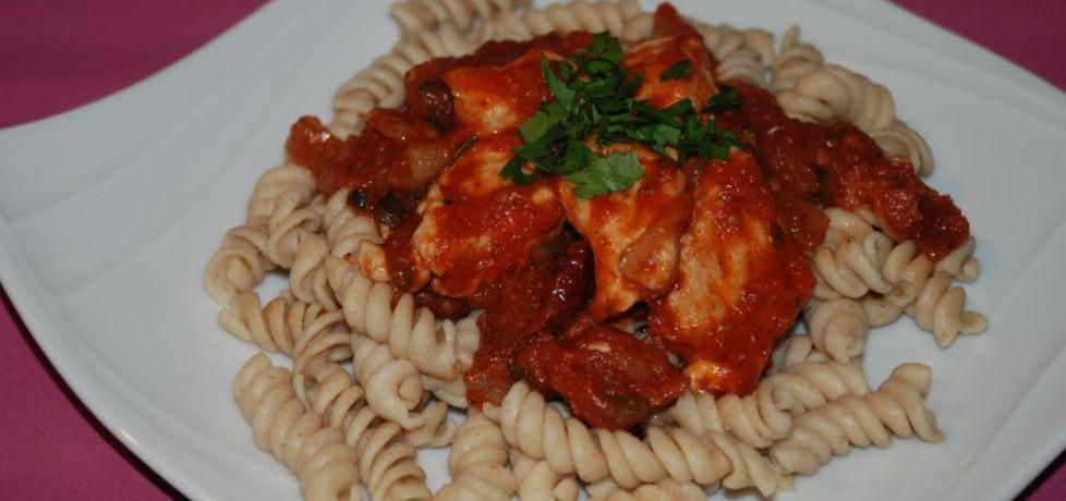 Makaron z kurczakiem w sosie pomidorowym (autor: magula ...