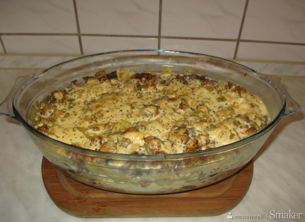 Zapiekanka makaronowa z kurczakiem i serkami topionymi