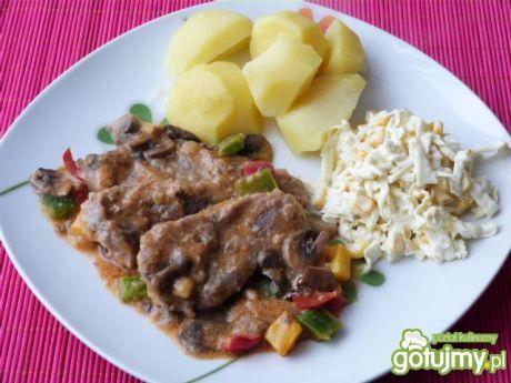 Przepis  bitki wieprzowe w warzywnym sosie przepis