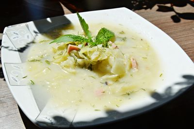 Zupa kapuściana na maślance