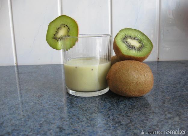 Bananowy koktail z kiwi