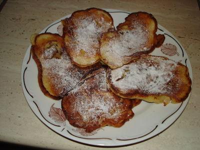 Placuszki z jabłkami na maślance naturalnej