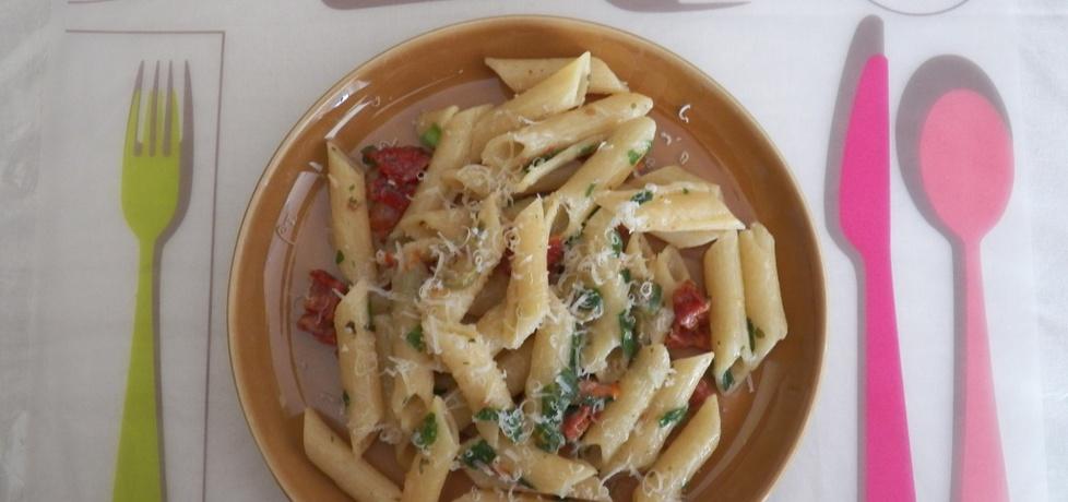 Makaron ze szpinakiem i suszonymi pomidorami (autor: koper ...