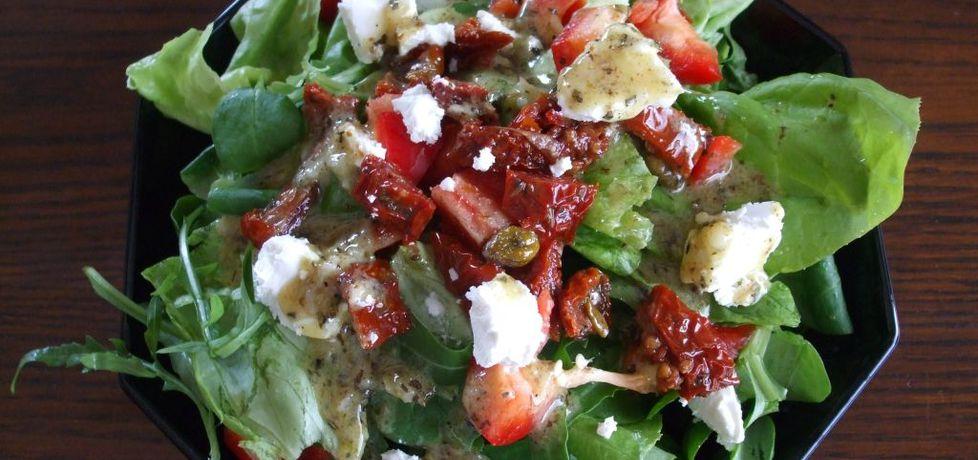 Sałatka z fetą i suszonymi pomidorami (autor: olkaaa ...