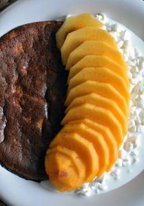 Miodowy omlet biszkoptowy z serkiem wiejskim i kaki ...