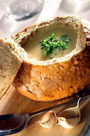 Czeska zupa czosnkowa  prosty przepis i składniki