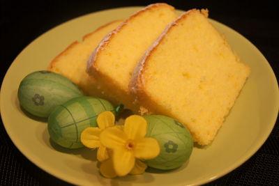 Wielkanocna babka mocno cytrynowa