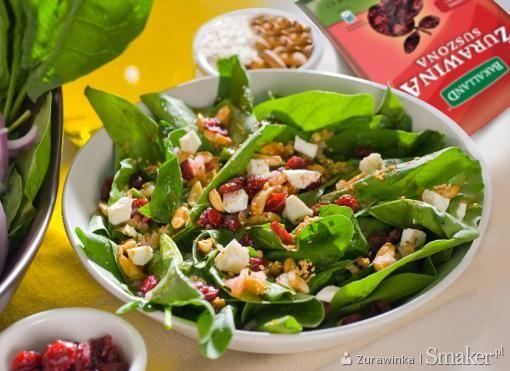 Sałatka samo zdrowie z żurawiną i serem pleśniowym