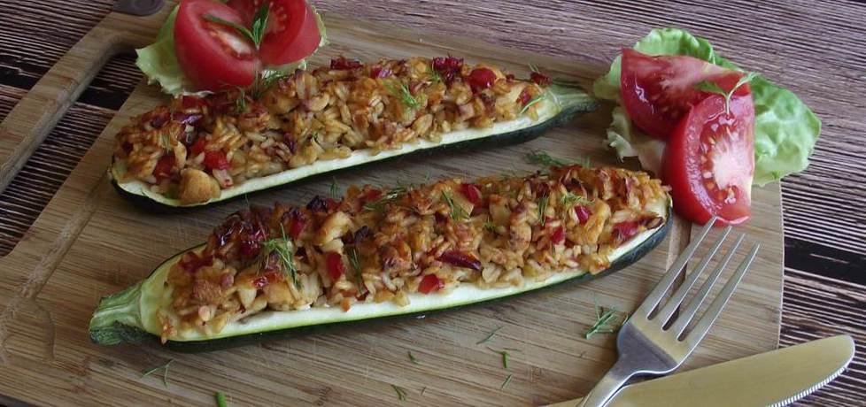 Cukinia faszerowana ryżem z warzywami i kurczakiem (autor: konczi ...