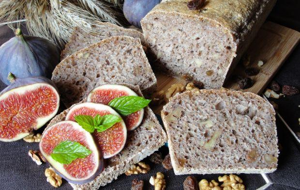 Przepis  chleb z rodzynkami i orzechami przepis