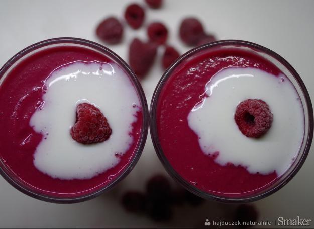 Różowy koktajl z buraka