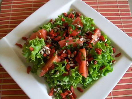 Przepis  sałata z jagodami goji przepis