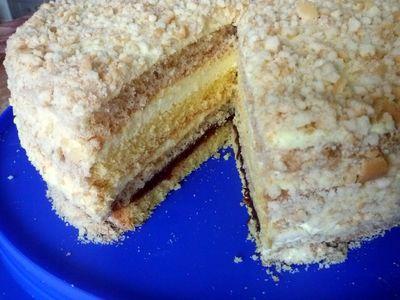 Tort z dżemem i masą adwokatową