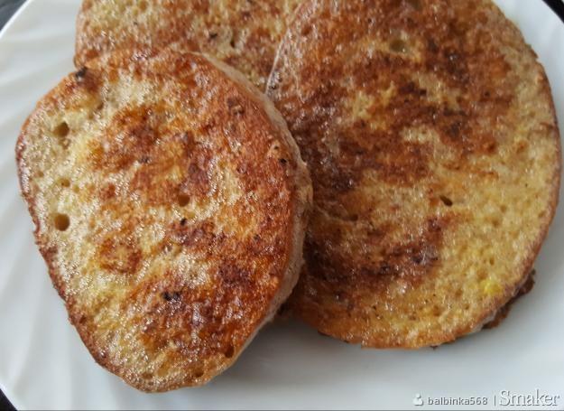 Smażony chleb w jajku i mleku