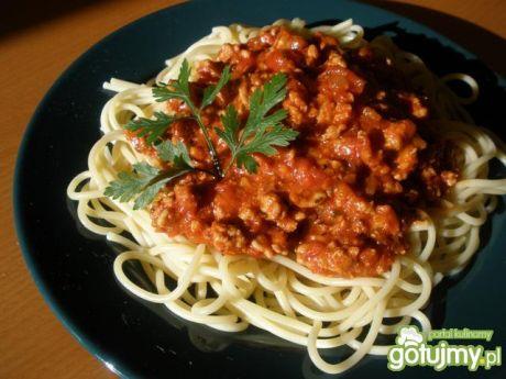 Przepis  spaghetti z mięsem mielonym i bazylią przepis