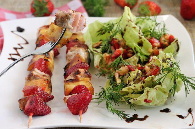 Przepis  szaszłyki z łososia z salsą truskawkową przepis