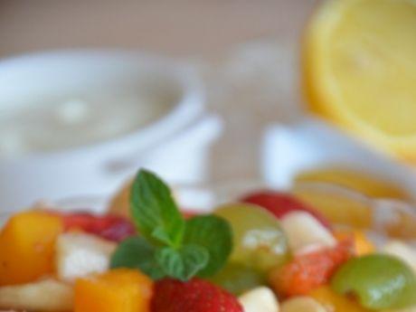 Przepis  sałatka owocowa z serkiem przepis