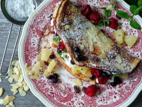 Przepis  omlet biszkoptowy z kokosem i owocami przepis