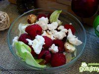 Przepis  sałatka z malinami i kozim serem przepis