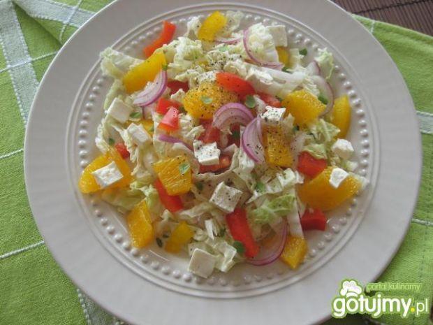 Przepis  sałatka z papryką, pomarańczą i fetą przepis