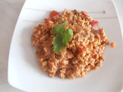 Lekko pikantny ryż warzywkami i mięsem