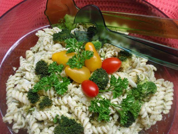 Przepis  sałatka makaronowa z brokułem przepis