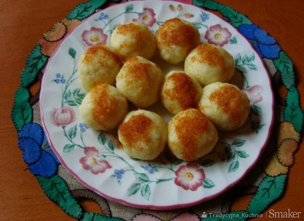 Knedle serowe z kaszą manną
