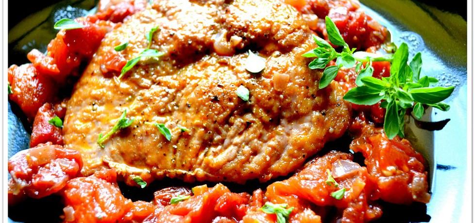 Indyk w majeranku na pomidorach. (autor: christopher ...