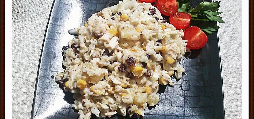 Lekka sałatka z brązowym ryżem, ananasem i kurczakiem (autor ...