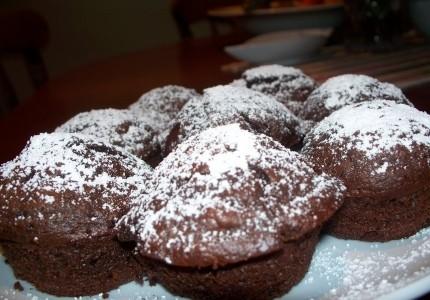 Muffiny mocno czekoladowe z wiśniami