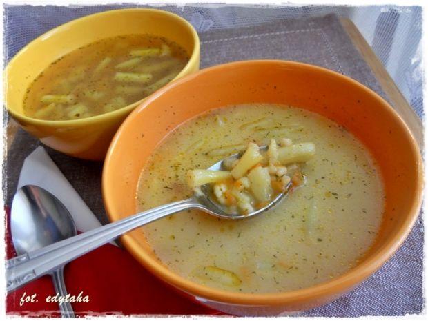 Przepis  zupa z fasolką szparagową i zacierkami przepis