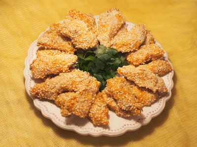 Kąski kurczaka z sezamem
