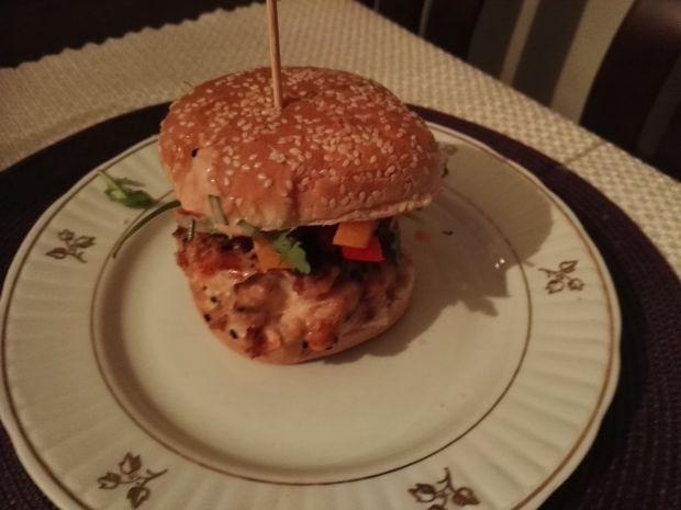 Przepis  burger łososiowy teriyaki przepis