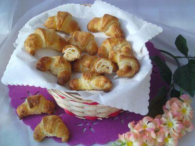 Rogaliki francuskie z białą czekoladą i kokosem