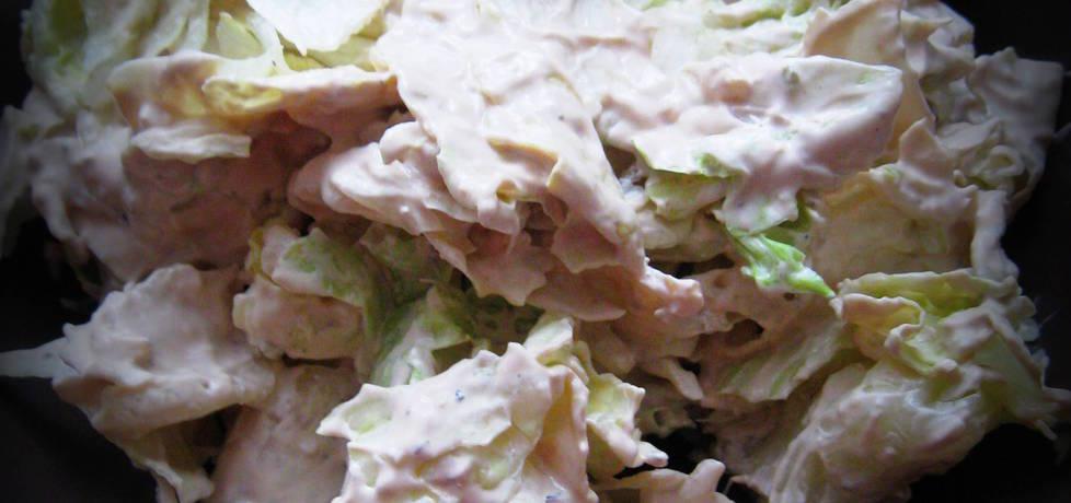 Sałata lodowa z sosem czosnkowym (autor: pyszota ...