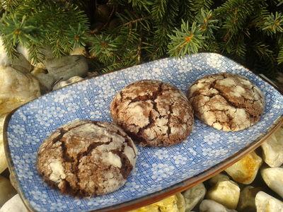 Czekoladowe pękające ciasteczka