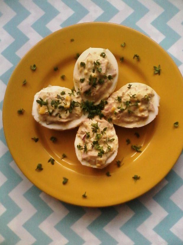Przepis  jajka faszerowane selerem i szynką przepis